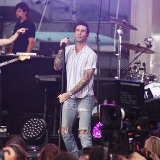 Jesse Carmichael, Adam Levine, Matt Flynn, Maroon 5 in Maroon 5 at The Today Show Toyota Concert Series