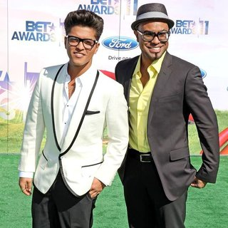 Bruno Mars, Philip Lawrence in BET Awards 2011