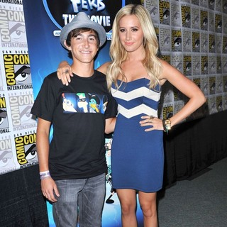 Vincent Martella, Ashley Tisdale in 2011 Comic Con Convention - Day 2 - Phineas and Ferb - Press Conference