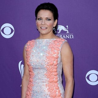 Martina McBride in 2012 ACM Awards - Arrivals