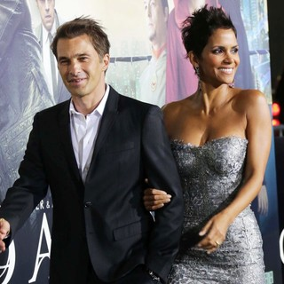 Olivier Martinez, Halle Berry in The Cloud Atlas Los Angeles Premiere
