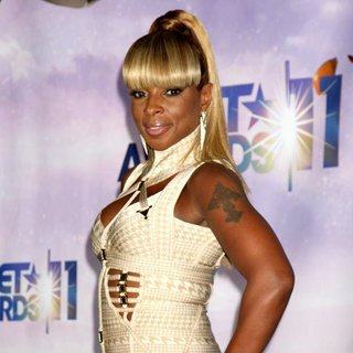Mary J. Blige in The 11th Annual BET Awards - Press Room