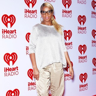Mary J. Blige in 2012 iHeartRadio Music Festival - Day 2 - Arrivals