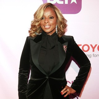Mary J. Blige in Black Girls Rock! 2011