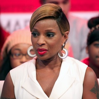 Mary J. Blige in Mary J. Blige on The 106 & Park TV Show