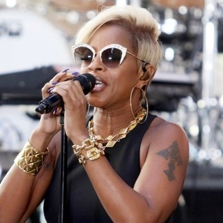 Mary J. Blige-Mary J. Blige Performs Live on The Today Show