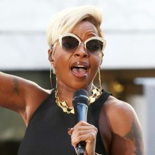 Mary J. Blige - Mary J. Blige Performs Live on The Today Show