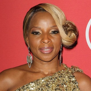 Mary J. Blige in RED Pre-Grammys Party with Mary J. Blige