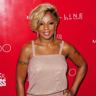 Mary J. Blige - SHAPE and Men's Fitness Super Bowl Concert Dinner Party