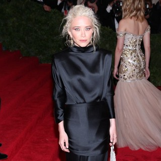 Mary-Kate Olsen - Schiaparelli and Prada Impossible Conversations Costume Institute Gala