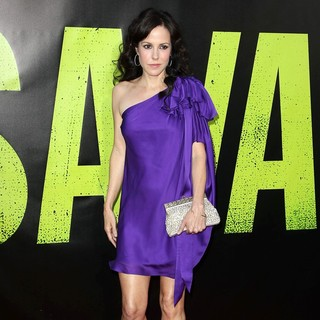 Mary-Louise Parker in The Premiere of Savages - mary-louise-parker-premiere-savages-04