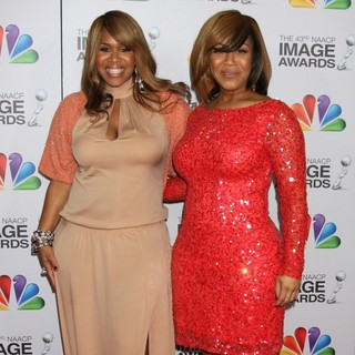 Mary Mary in The 43rd Annual NAACP Awards - Arrivals