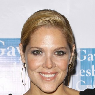 Mary McCormack in The Los Angeles Gay and Lesbian Center (LAGLC) 38th Anniversary Gala - Arrivals and Inside - mary-mccormack-laglc-38th-anniversary-gala-01