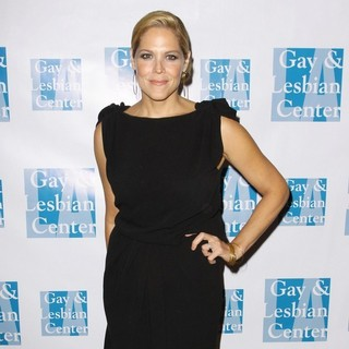 Mary McCormack in The Los Angeles Gay and Lesbian Center (LAGLC) 38th Anniversary Gala - Arrivals and Inside - mary-mccormack-laglc-38th-anniversary-gala-02