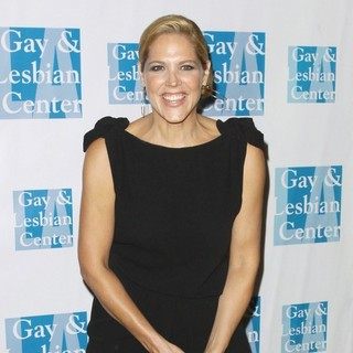 Mary McCormack in The Los Angeles Gay and Lesbian Center (LAGLC) 38th Anniversary Gala - Arrivals and Inside - mary-mccormack-laglc-38th-anniversary-gala-03