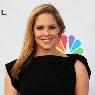 Mary McCormack in The Cable Show 2010 to Feature An Evening With NBC Universal - mary-mccormack-the-cable-show-2010-01