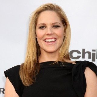 Mary McCormack in The Cable Show 2010 to Feature An Evening With NBC Universal - mary-mccormack-the-cable-show-2010-02