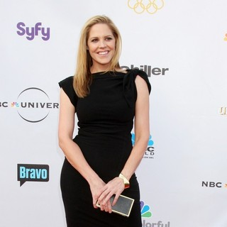 Mary McCormack in The Cable Show 2010 to Feature An Evening With NBC Universal - mary-mccormack-the-cable-show-2010-03