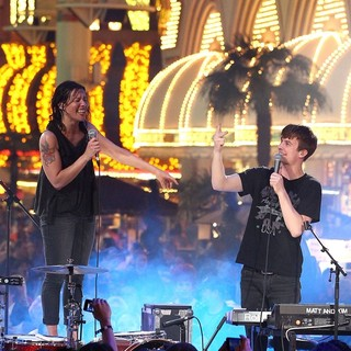 Matt and Kim in The Inaugural MTV O Music Awards