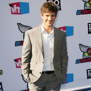 Matt Lanter in 2011 Do Something Awards - Arrivals