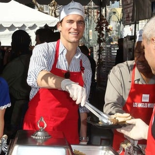 Matthew Bomer in The Los Angeles Mission's Thanksgiving for Skid Row Homeless