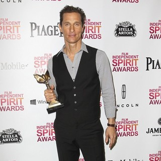 Matthew McConaughey in 2013 Film Independent Spirit Awards - Press Room