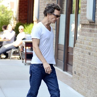 Matthew McConaughey in Matthew McConaughey Seen Returning to His Hotel in Manhattan