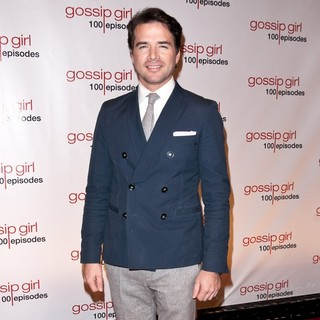 Matthew Settle in Gossip Girl Celebrates 100 Episodes