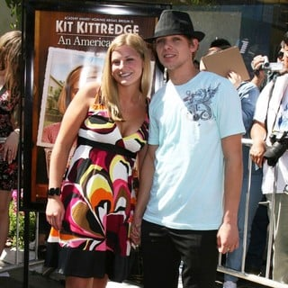 Max Thieriot in Premiere of Kit Kittredge - max-thieriot-premiere-kit-kittredge-03