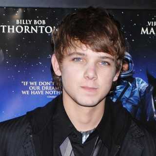 Max Thieriot in The Warner Bros. Premiere of The Astronaut Farmer - Arrivals - max-thieriot-premiere-the-astronaut-farmer-01