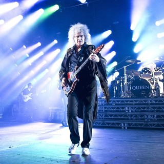 Brian May, Roger Taylor, Queen in Queen and Adam Lambert Performing Live