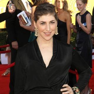 Mayim Bialik in The 18th Annual Screen Actors Guild Awards - Arrivals