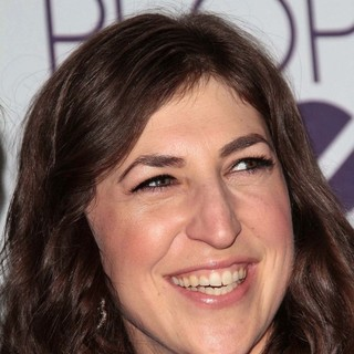 Mayim Bialik in People's Choice Awards 2013 - Press Room