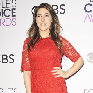 Mayim Bialik-People's Choice Awards 2017 - Press Room