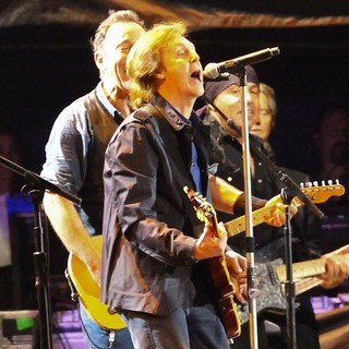 Bruce Springsteen, Paul McCartney, The E Street Band in Hard Rock Calling - Day 2