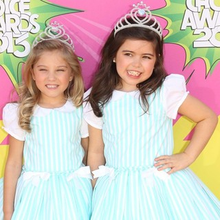 Rosie McClelland, Sophia Grace in Nickelodeon's 26th Annual Kids' Choice Awards - Arrivals