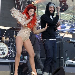 Neon Hitch, Travis McCoy in 102.7 KIIS FM's Wango Tango 2012 - Show