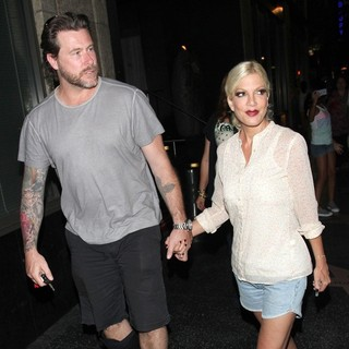 Dean McDermott and Tori Spelling Leave Katsuya Restaurant