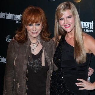 Reba McEntire, Sara Rue in Entertainment Weekly and ABC TV Celebrate The New York Upfronts with A VIP Cocktail Party - Arrivals