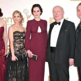 Elizabeth McGovern, Joanne Froggatt, Michelle Dockery, Julian Fellowes in The 63rd Primetime Emmy Awards - Arrivals