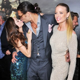 Rose McGowan, Jason Momoa, Rachel Nichols in The LA Premiere of Conan the Barbarian