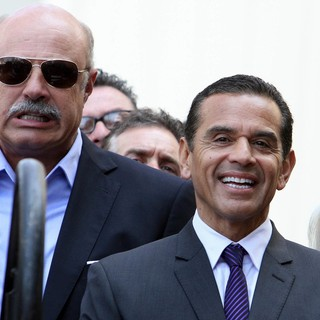 Phil McGraw, Antonio Villaraigosa in David Foster Honored with Star on The Hollywood Walk of Fame