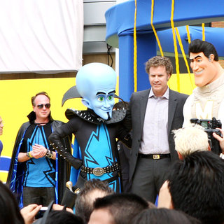Jeffrey Katzenberg, Tom McGrath, Will Ferrell in DreamWorks Animation Breaks The Guinness World Record for The Largest Superhero Gathering