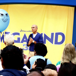 Jeffrey Katzenberg in DreamWorks Animation Breaks The Guinness World Record for The Largest Superhero Gathering