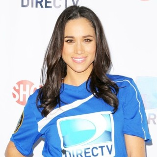 Meghan Markle in DirecTV's 8th Annual Celebrity Beach Bowl - Arrivals