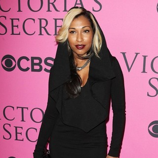 Melanie Fiona in The 2012 Victoria's Secret Fashion Show
