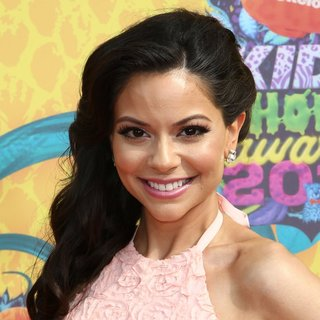 Melissa Carcache in Nickelodeon's 27th Annual Kids' Choice Awards - Arrivals