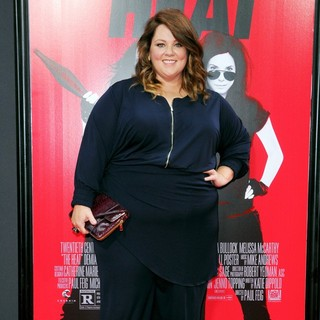 Melissa McCarthy in New York Premiere of The Heat - Red Carpet Arrivals