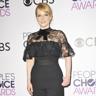 Melissa Rauch-People's Choice Awards 2017 - Press Room