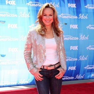 American Idol Season 11 Grand Finale Show - Arrivals